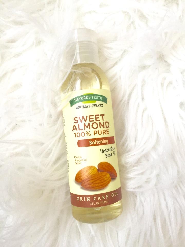 Beauty Spotlight: The Many Wonderful Uses of AlmondOil